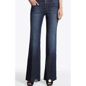 White House black market trouser leg blanc jeans